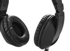 Reloop's popular RHP-20 headphones, now available in an all-black 'Knight' edition.